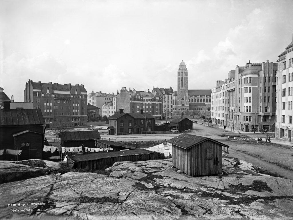 Linkki tapahtumaan Hellahuoneita ja sakilaisia Sörkassa – 1910-luvun arkea Pitkänsillan pohjoispuolella PERUUTETTU