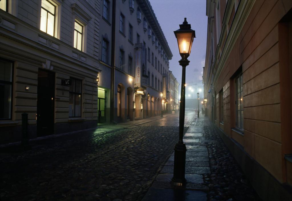 Sofiankadulla voi kokea erilaisia katupäällysteitä mukulakivestä asfalttiin. Kuva: Helsingin kaupunginmuseo